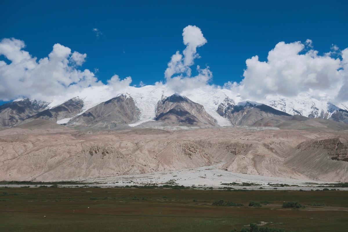 🇨🇳【喀什】來回車程八小時,只為看它一眼:卡拉庫里湖 Karakul Lake, China
