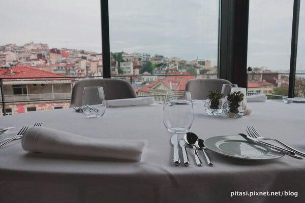 【伊斯坦堡】新城區獨立大道旁視野絕佳 Nicole Restaurant